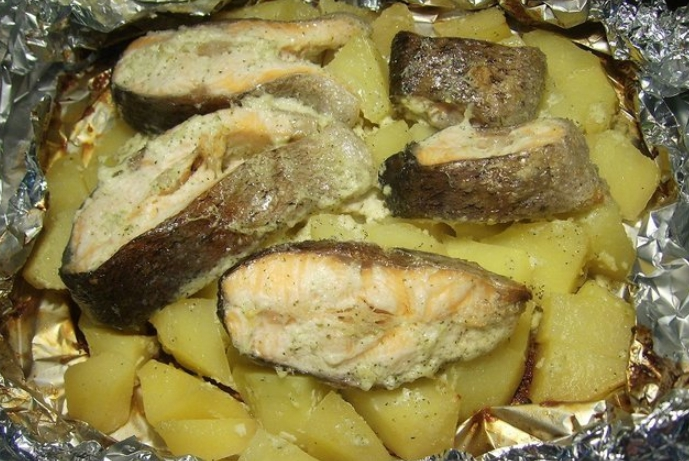 Белый амур в духовке с картошкой