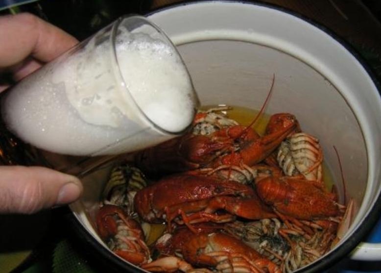 Раки варенные в пиве